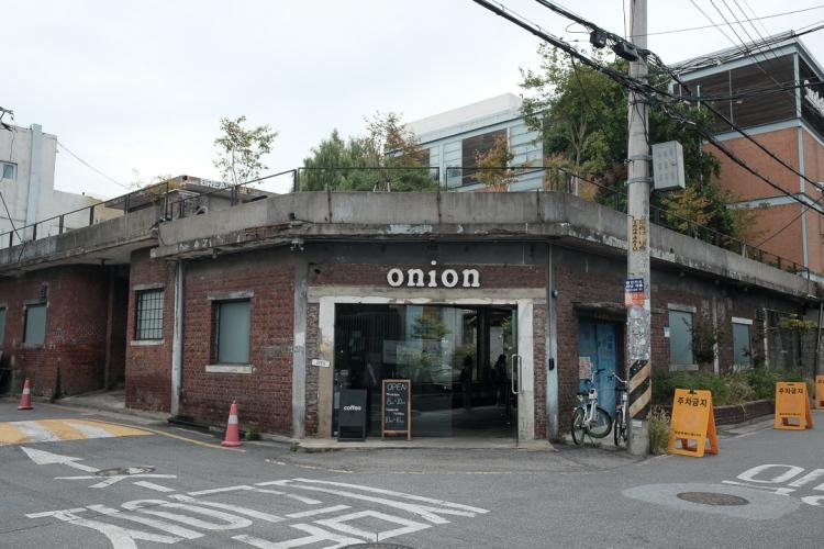 聖水Onion門口