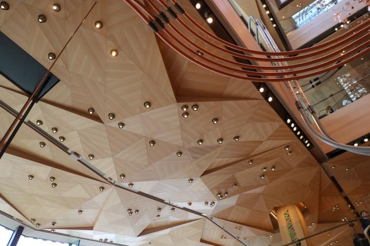 星巴克臻選東京烘焙工坊室內設計