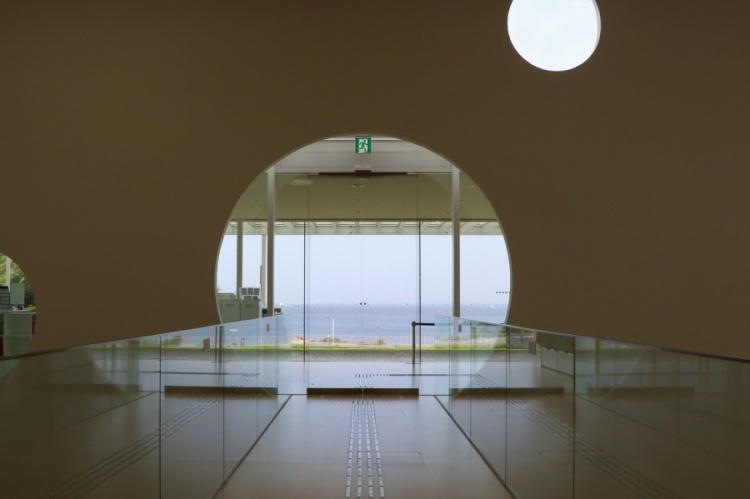 橫須賀美術館_室內2.jpg